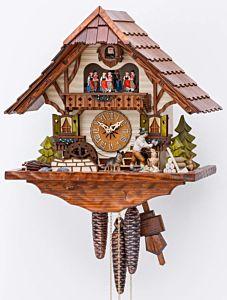 Schwarzwaldhuis met houthakker