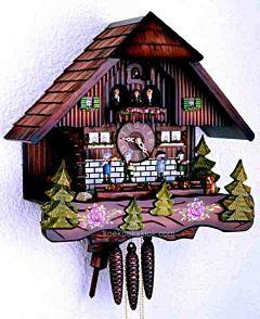 Schwarzwaldhuis met muzikanten H3639